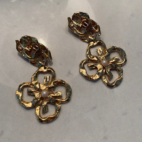 BEVERLEY HAMBURG gold earrings